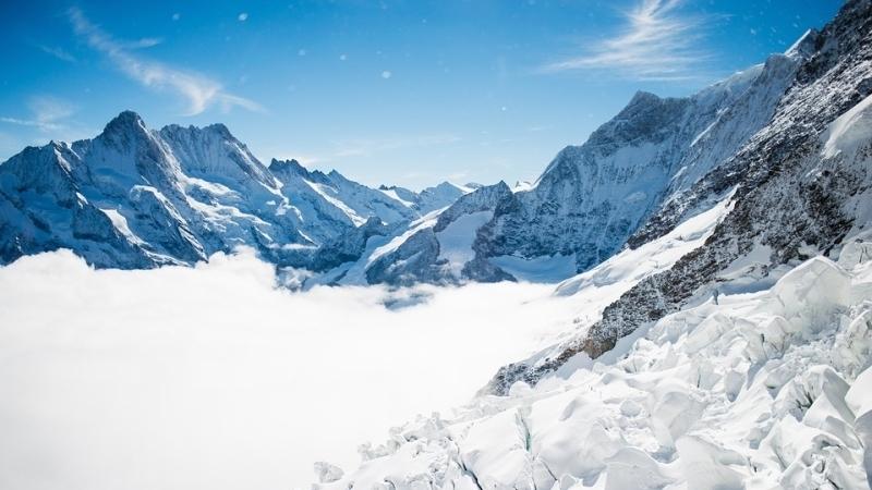 Сход лавины вАльпах: три горнолыжника погибли