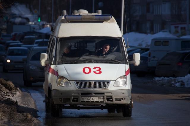 ВБашкирии пенсионер больше полугода живет снасекомым вухе