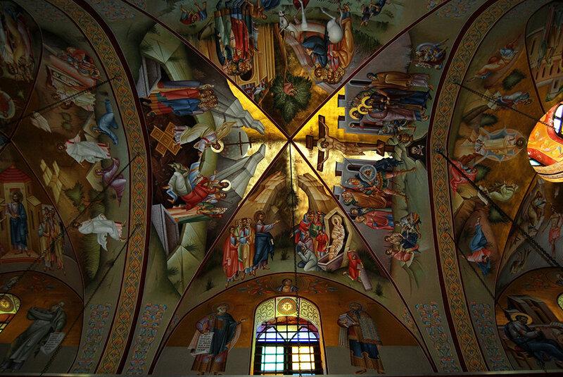 Фрески православного храма на горе Фавор