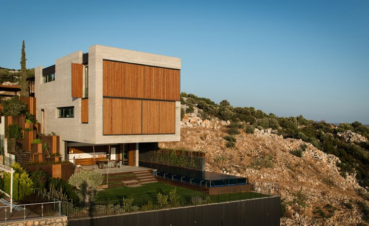 CESME HOUSE BY ERDIL INSAAT ARCHITECTS