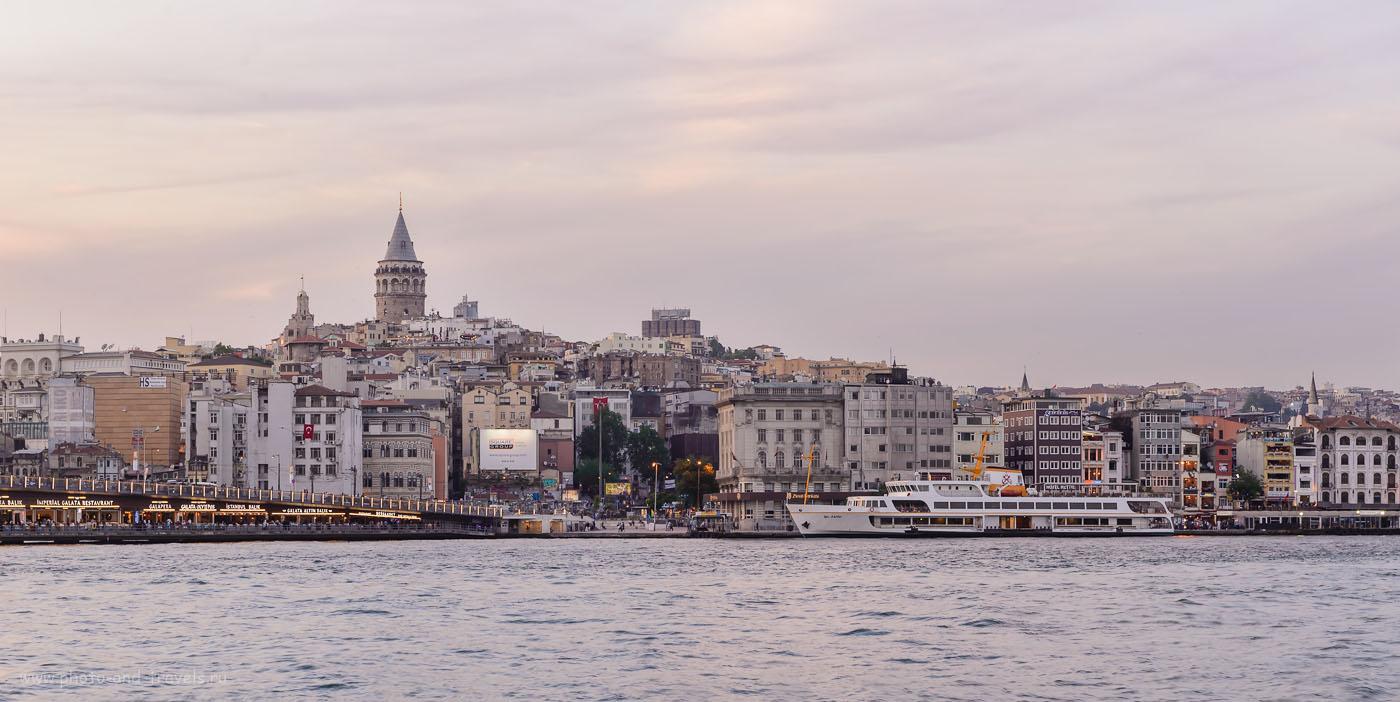 Фотография 11. Вид на европейский берег у Галатского моста в Стамбуле. Самостоятельный отдых в Турции. Параметры съемки: 1/10, 9.0, 160, 66 мм. Съемка произведена с использованием карбонового штатива Sirui T-2204X с головкой G-20KX.