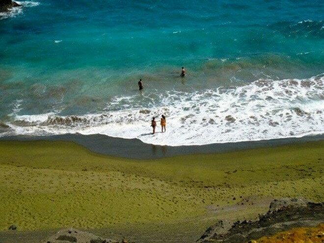 Зеленый пляж Папаколеа, Гавайи