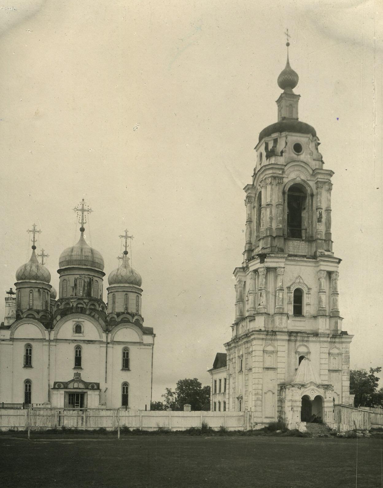 Собор Рождества Богородицы. XVI в. Колокольня XVIII в.1890-е