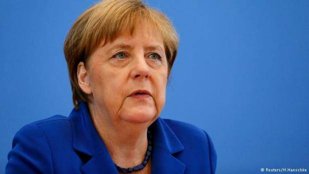 """Ангела Меркель заявила о """"заинтересованности в прекращении санкций против РФ"""""""