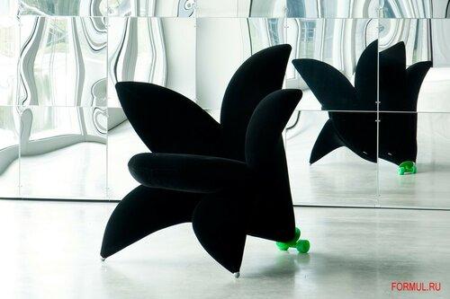Необычное кресло - цветок для весеннего интерьера