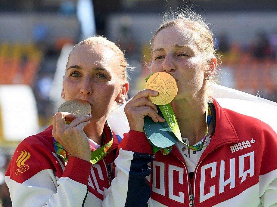 Веснина и Макарова — олимпийские чемпионки Рио-де-Жанейро в парном разряде