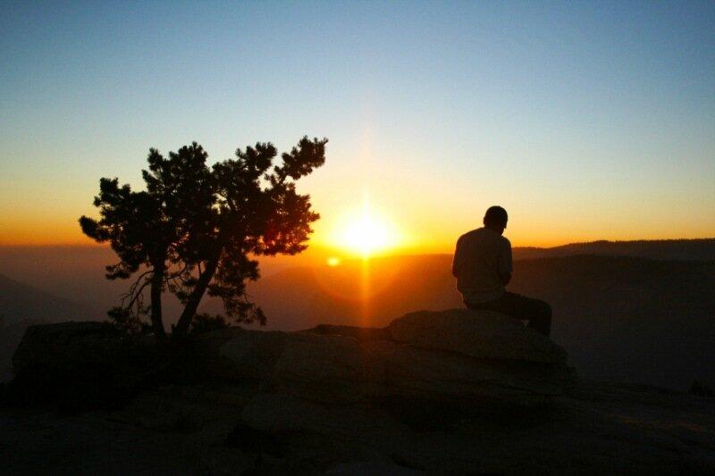 ФОТО: мужчина, закат, безмятежность...