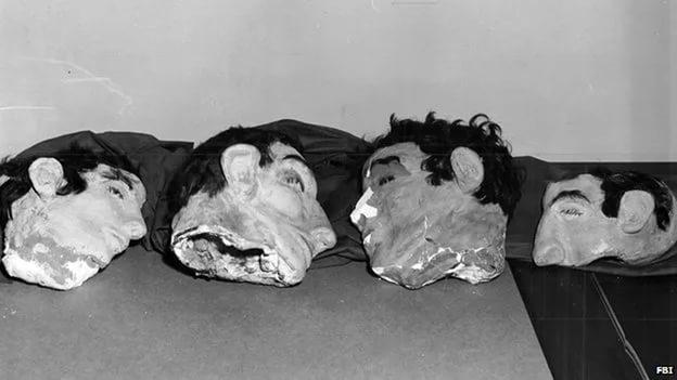 11 июня 1962 года после отбоя подельники накрыли кукол одеялами и пролезли в тоннель через дыры в ст