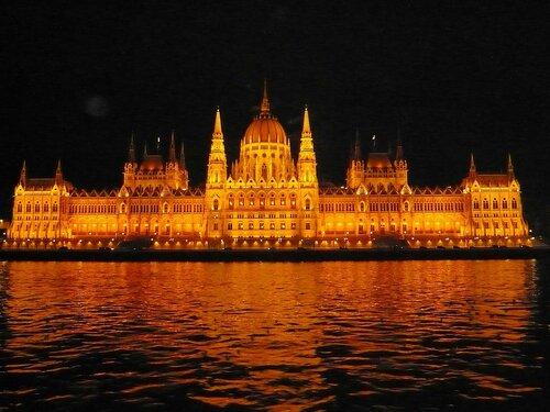 Будапешт. Дунай. Парламент