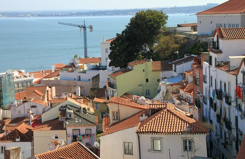 Лиссабон, вид с Портуш ду Сол (Lisbon view from Portush do Sol)