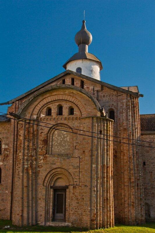 Церковь Параскевы-Пятницы на Торгу, 1207 г.