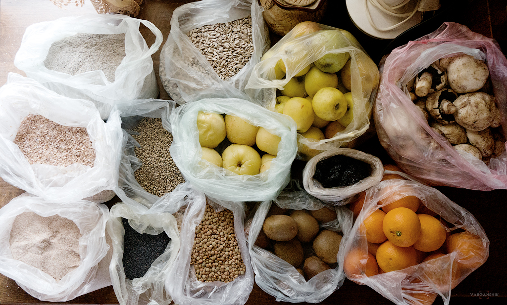 пополнил запасы продовольствия Варганчик