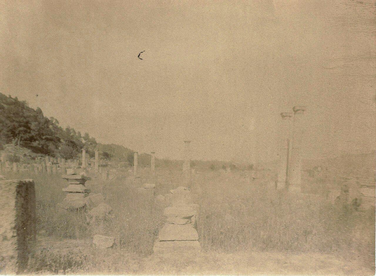 Колонны палестры. 1892