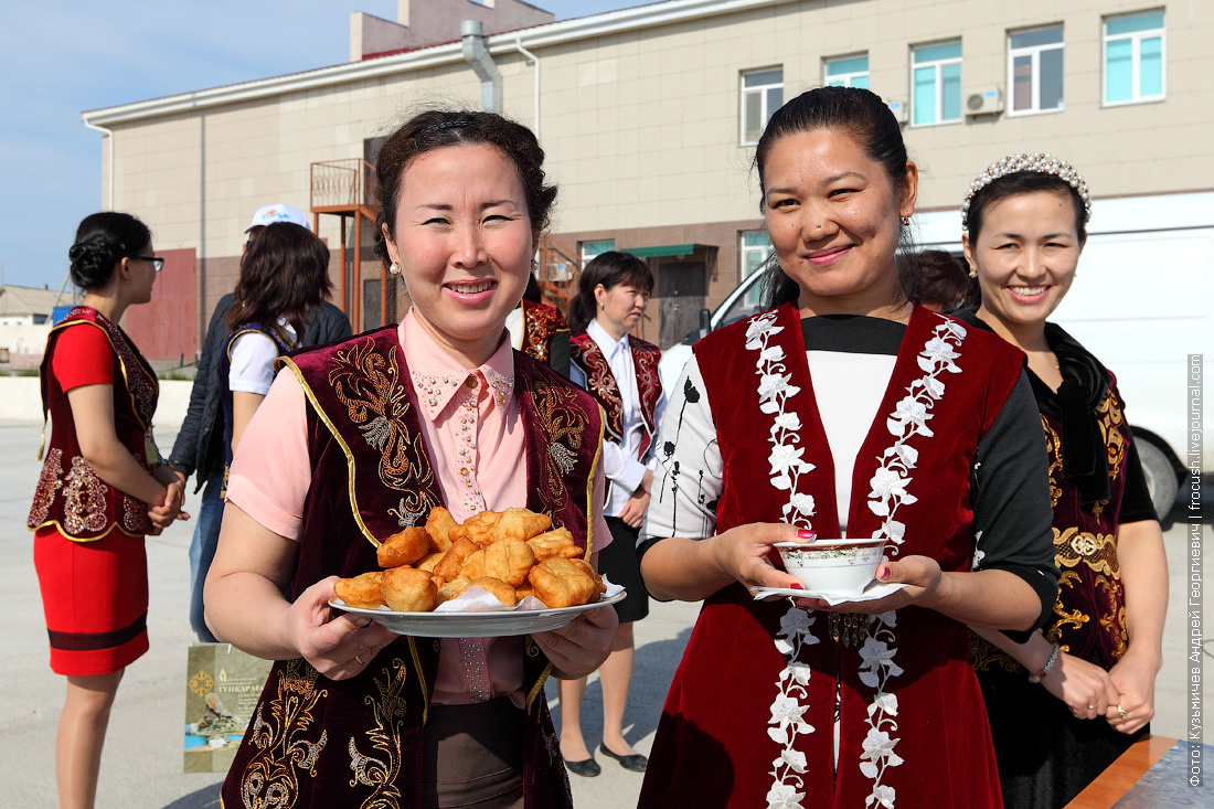 встреча туристов теплохода Русь Великая в Казахстане