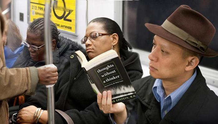 Фотопроект «Последняя книга», или Какие книги читают пассажиры нью йоркского метро