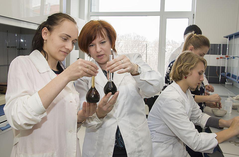 Учёные ДВФУ планируют поднять подородность почвы при помощи биоугля