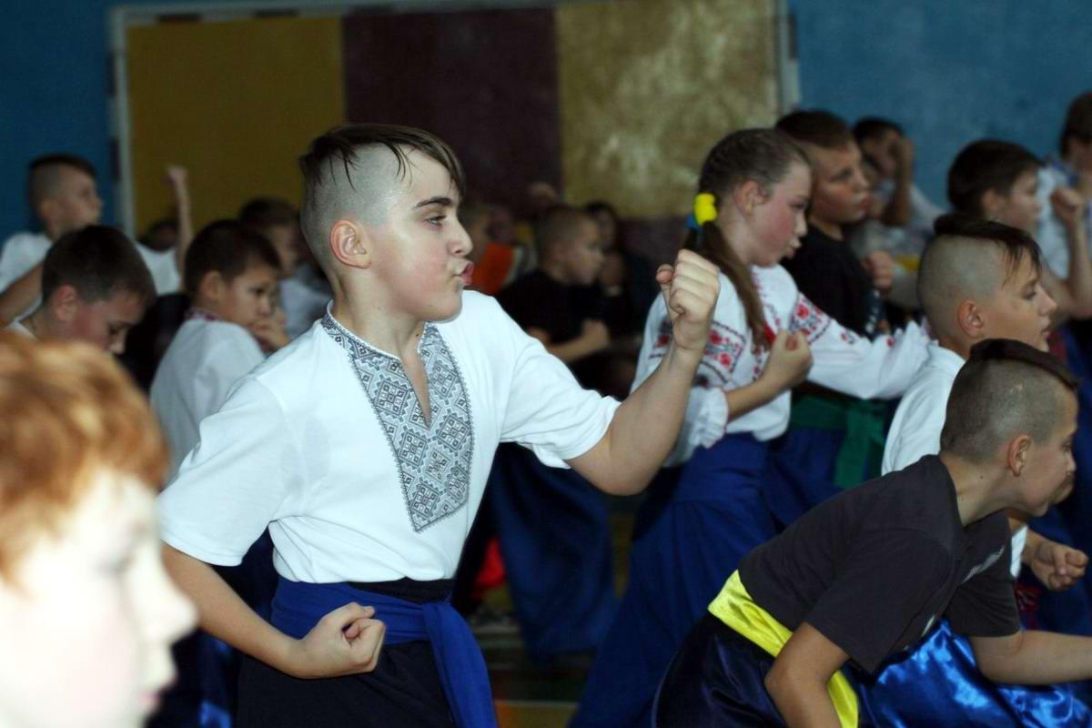 Квалификационный групповой экзамен в школе боевого гопака города Нетешин (Хмельницкая область) (05)