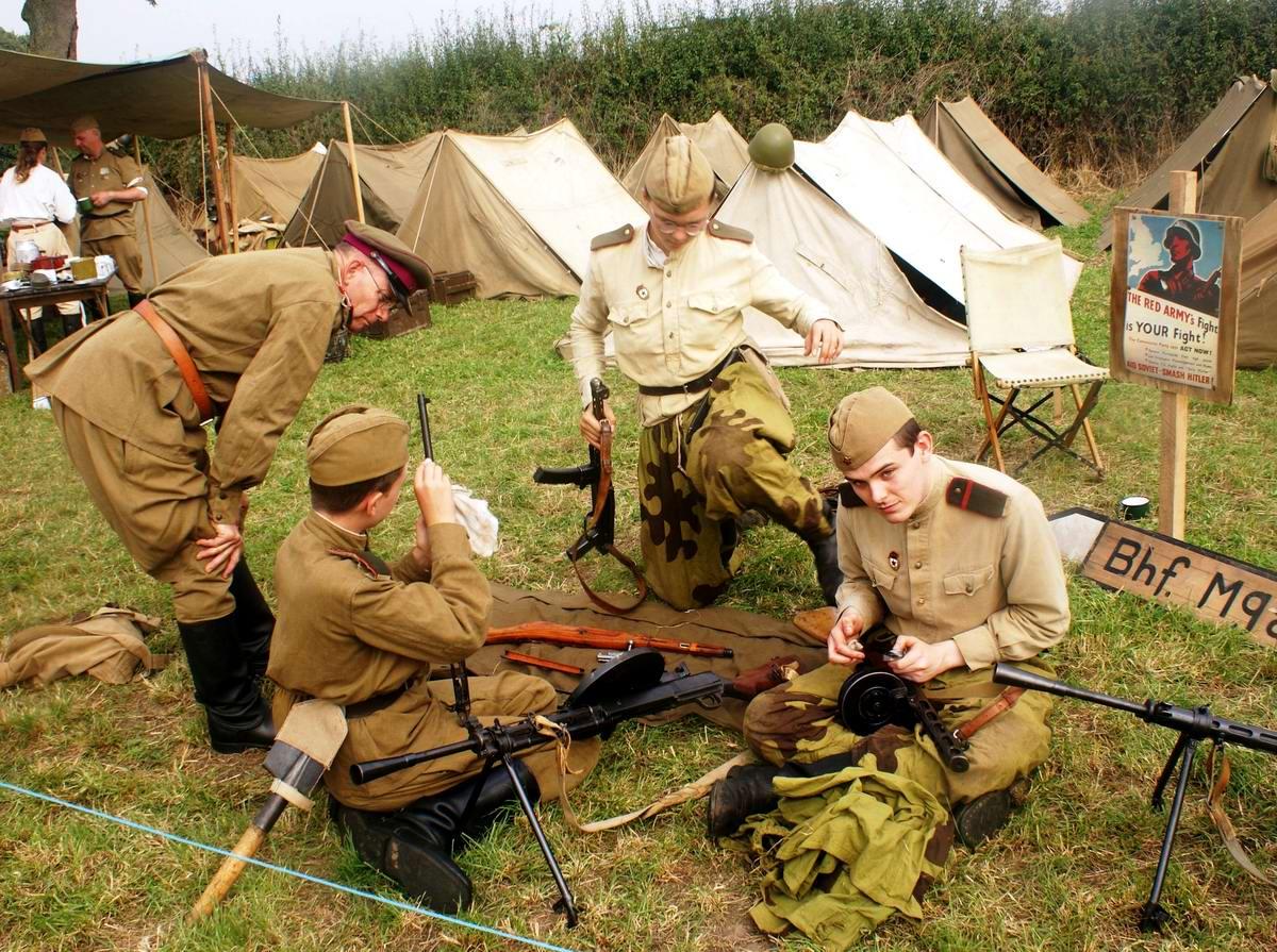 Солдаты Советской Армии в британских реконструкциях сражений 2-й мировой войны (34)