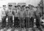 Во втором ряду в центре Замполит майор Баранов В.Н.. Второй справа командир части Карпов. Третий справа полковник Мошковский