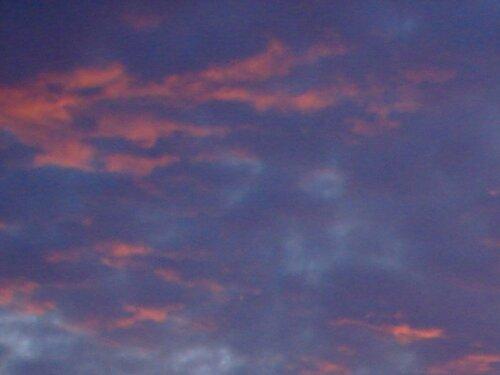 """""""А небо горит в поцелуях раccвета, Так Белую Ночь провожает Восход…"""""""
