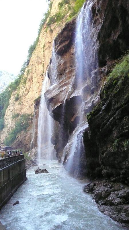 Чегемские водопады вырываются