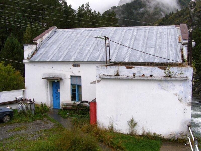 Здание турбин и генераторов Чемальской ГЭС