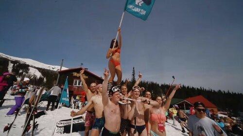 Массовое катание на лыжах и сноубордах в Шерегеше