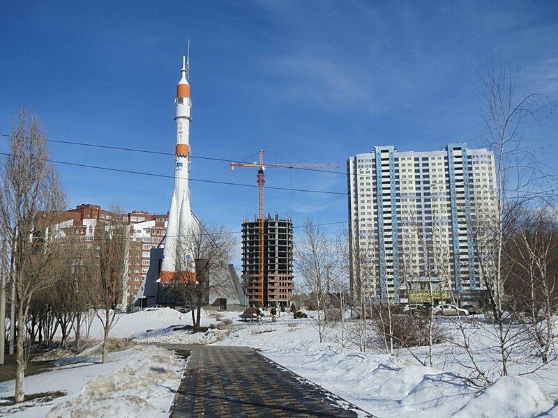 Почта, Луначарского,Зим,Спутник 190.JPG