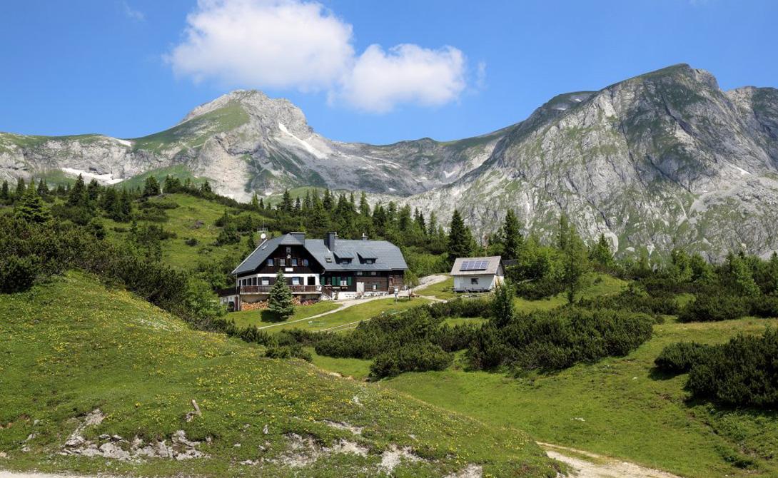 У подножия живописных гор Хохшваб что, в австрийской Штирии, неподалеку от городка Трагосс, располож