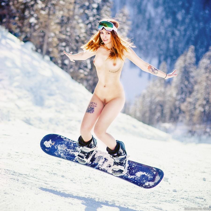 Голые девушки на лыжах видео