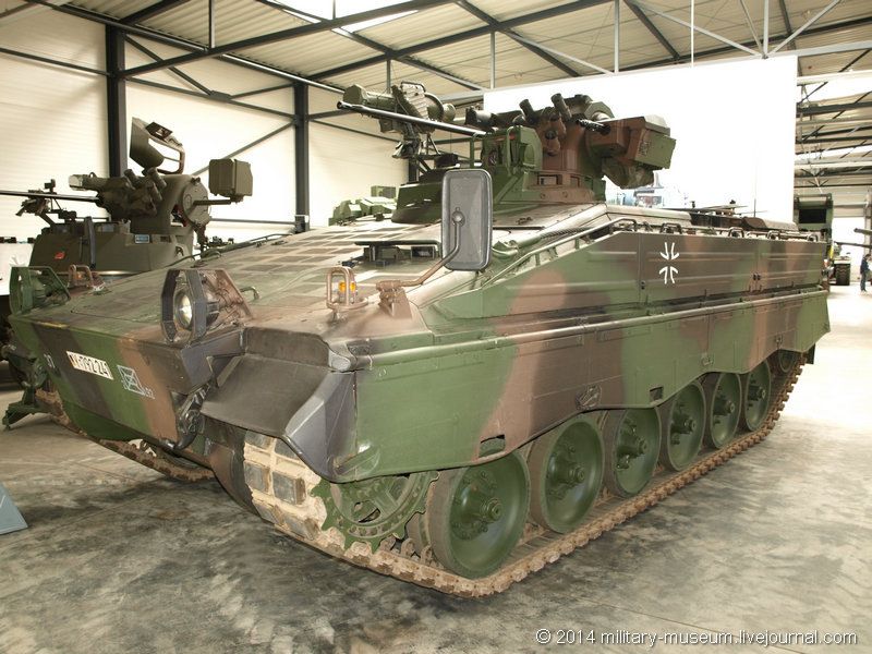 Panzermuseum Munster-2014-03-093.jpg