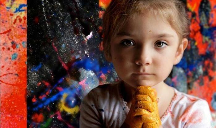 Аэлита Андре, самая маленькая профессиональная художница в мире