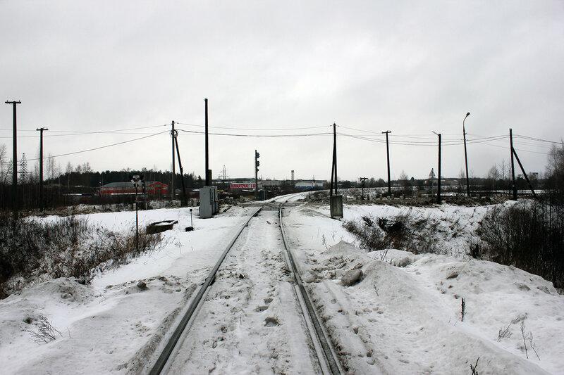Входной светофор Н станции Савёлово со стороны Калязина, вид на Калязин, на перегон на Белый городок