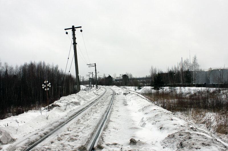 Последний столб контактной сети на станции Савёлово, калязинская горловина, вид на Москву