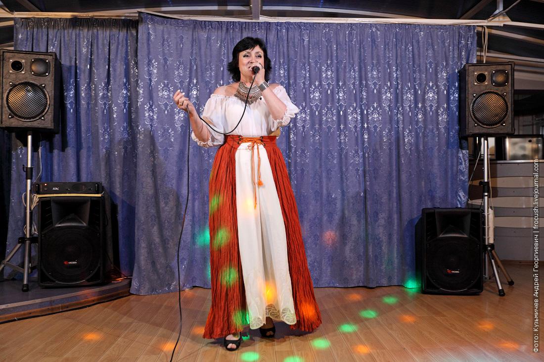 концерт на теплоходе Бенуа