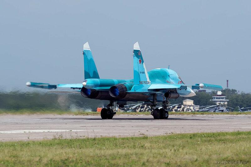 Сухой Су-34 (RF-95856 / 40 красный) ВКС России 1710_D805844