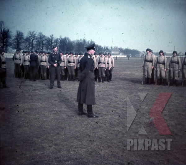 stock-photo-german-luftwaffe-flak-aa-parade-inspection-near-paris-france-1940-anti-aircraft-9726.jpg