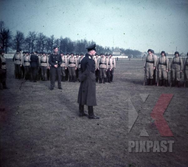 stock-photo-german-luftwaffe-flak-aa-parade-inspection-near-paris-france-1940-anti-aircraft-9726.jpg