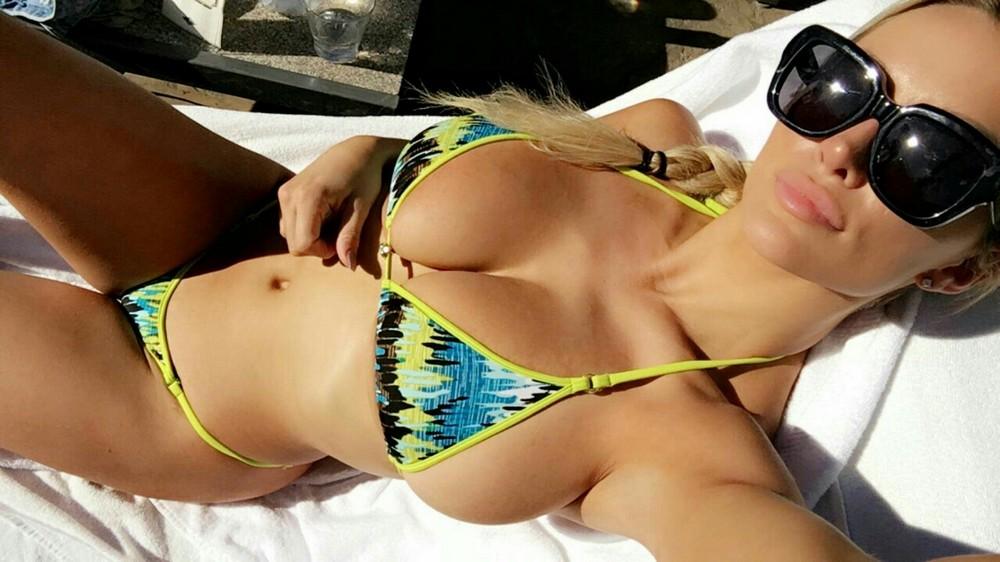 foto-luchshih-eroticheskih-devushek