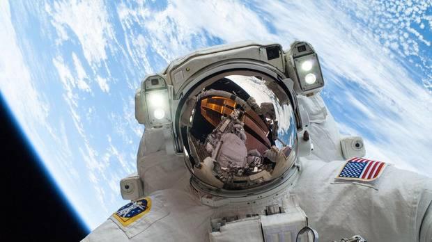 В NASA показали, как астронавты готовятся к полету на Марс (видео)