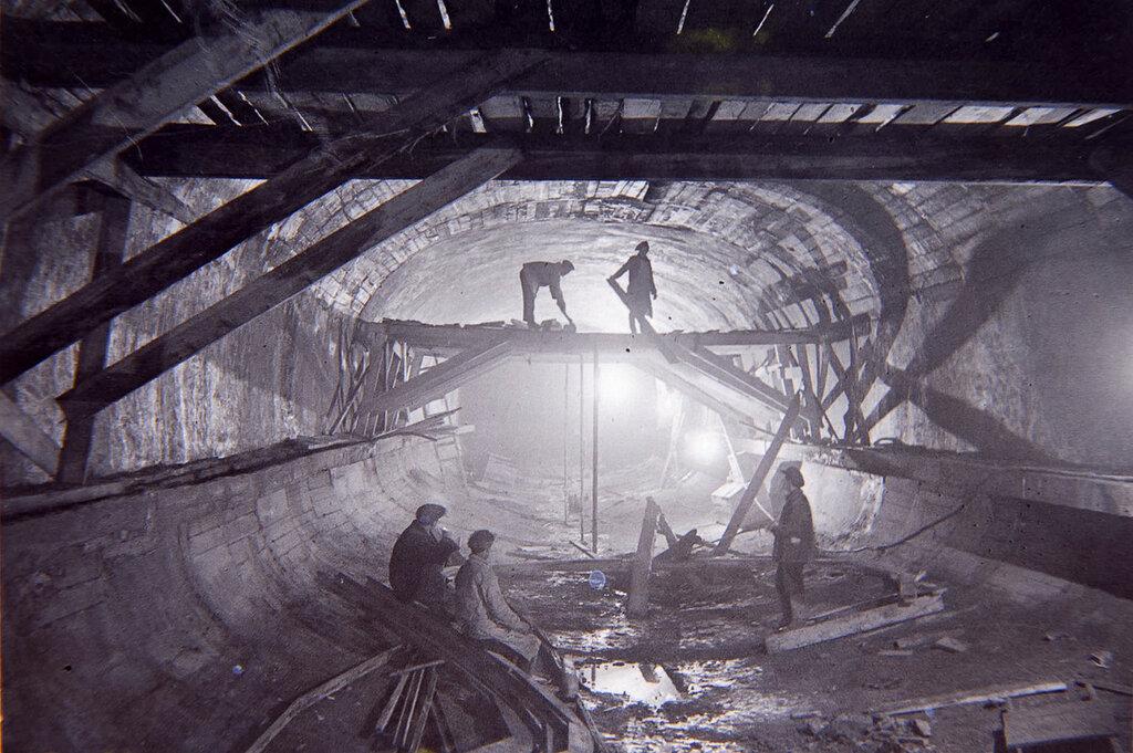 Строительство тоннеля парижским способом
