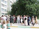У здания Центральной библиотеки состоялась церемония возложения цветов к Мемориальной доске Анатолия Сорокина