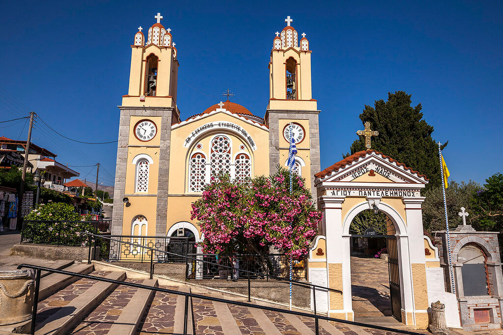 Греческая деревушка Сиана и Храм Святого Пантелеймона