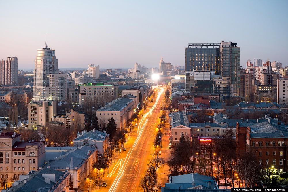 Проспект Революции — центральная улица Воронежа.