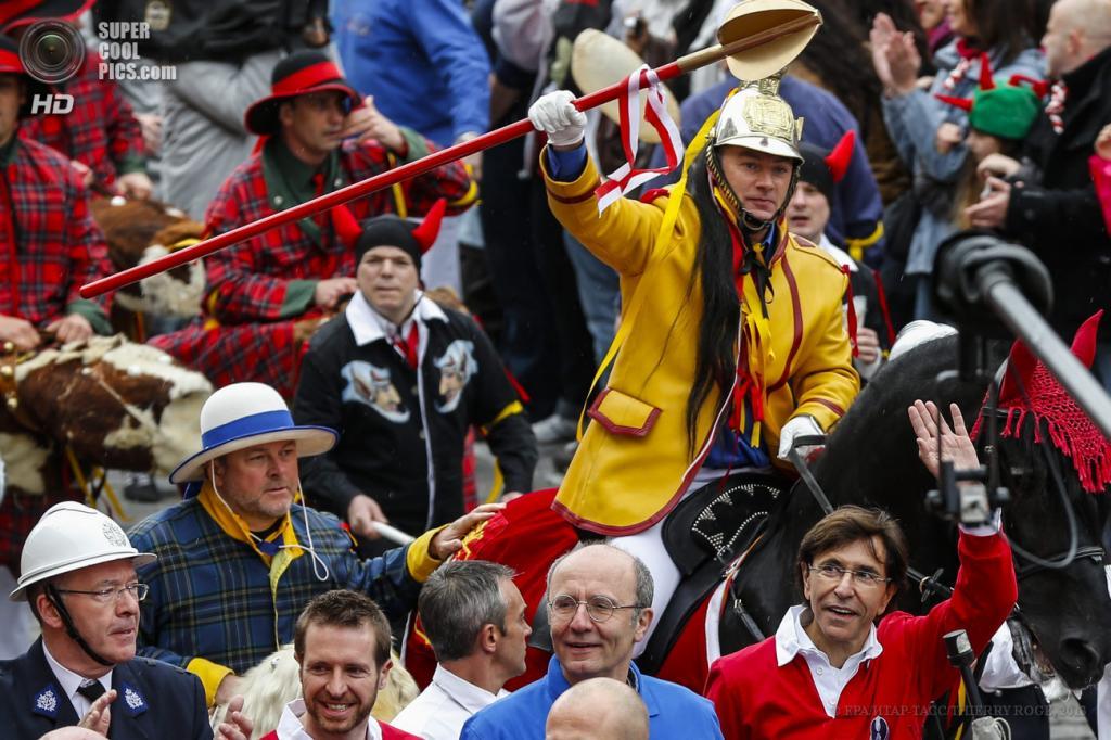 Бельгийский средневековый фестиваль «Дуду»