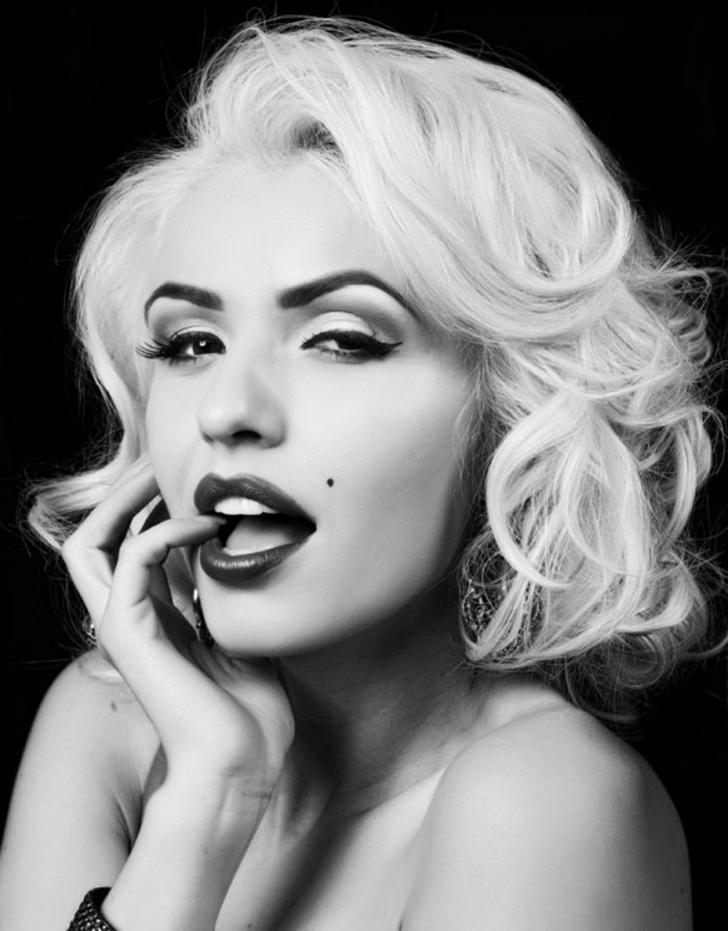 Ростислава Савчук — украинская модель, снявшаяся в нескольких фотосессиях на тему Мэрилин Монро, в т