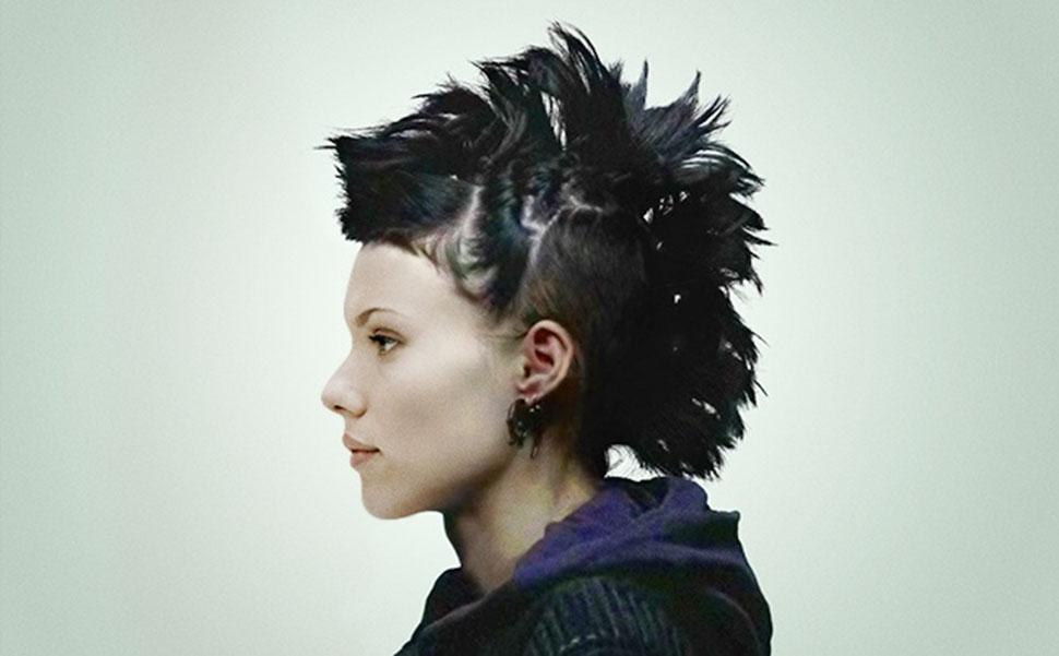 Скарлетт Йоханссон в роли Лисбет Саландер, «Девушка с татуировкой дракона». Режиссер фильма Дэвид Фи