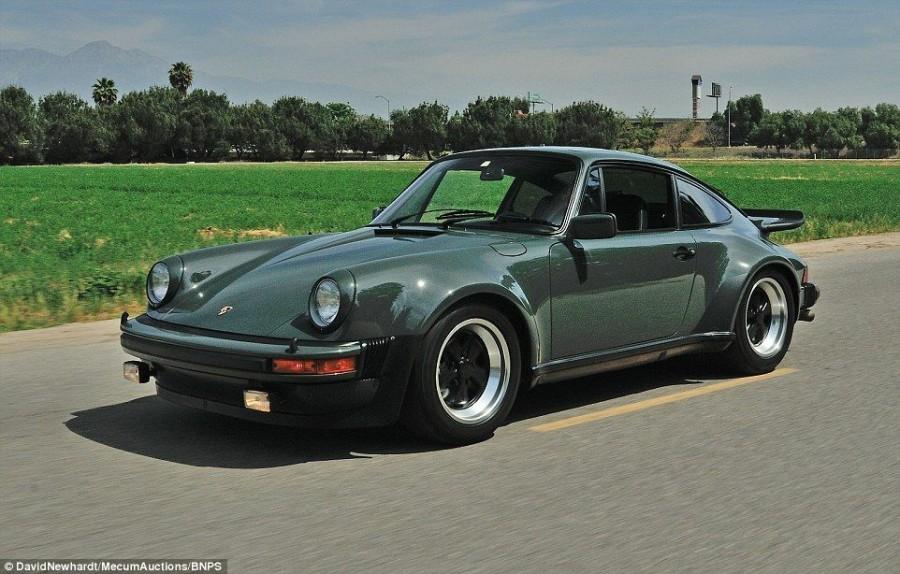 4. Сегодня этот легендарный автомобиль выставлен на аукцион Mecum Auctions.