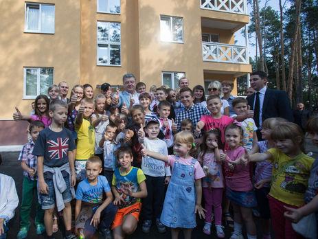 Участников АТО: Президент проинспектировал новое жилье для военнослужащих СБУ