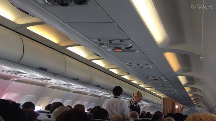 Пассажирка скончалась наборту самолета Новосибирск— Санкт-Петербург